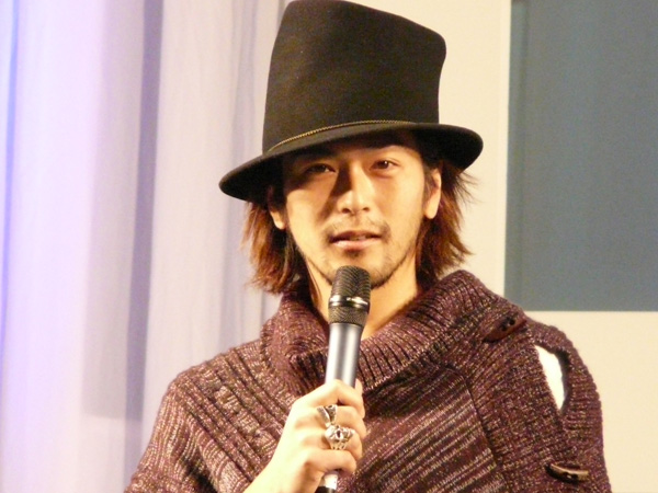 須賀貴匡のロングヘア画像